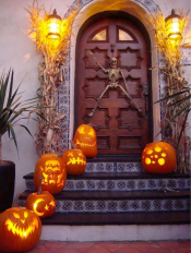 42-halloween-porch-decoration-ideas-homebnc