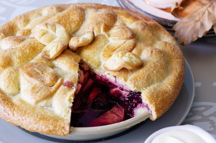 apple-and-blackberry-pie-70862-1.jpeg