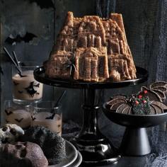 nordic-ware-halloween-mini-skull-cakelet-pan-c